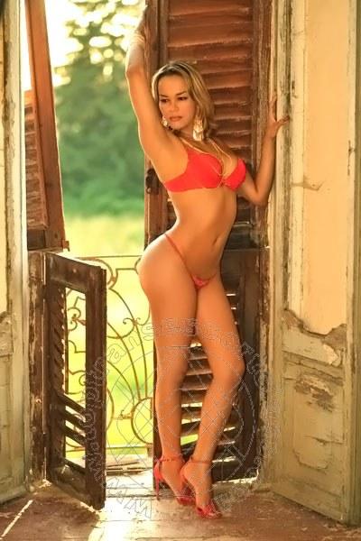 Giselle Oliveira  GENOVA 3894477549